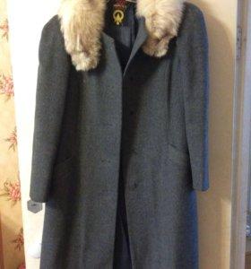Пальто зимнее драповое