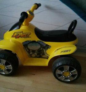 Квадрацикл на аккумуляторе детский