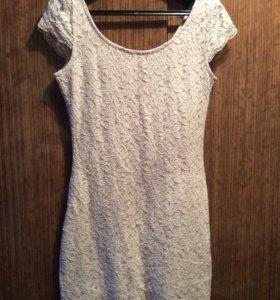 Продам кружевное платье H&M
