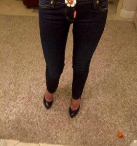 джинсы скини Dsquared оригинал новые