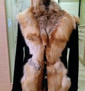 Кожаная куртка с лисой.