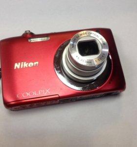 Цифровой фотоаппарат Nikon Coolpix S2600.