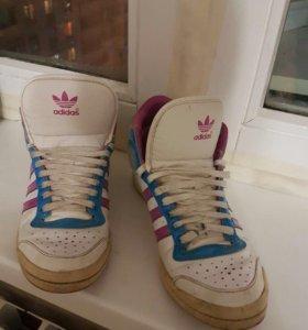 Кроссовки Adidas  оригинал женские /Бронь