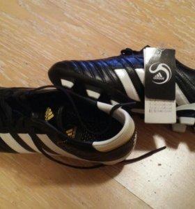 Новые футбольные бутсы Adidas р. 38-39