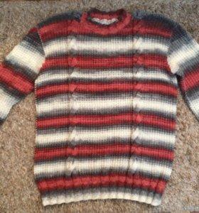 Новый свитер ручной вязки