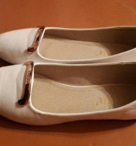 Белые балетки 39 размер