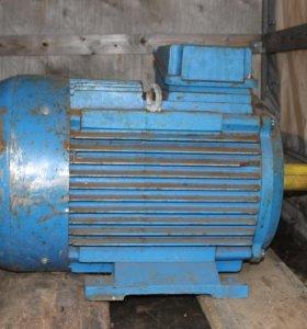 Электродвигатель асинхронный (75 kw 2960 об/мин)