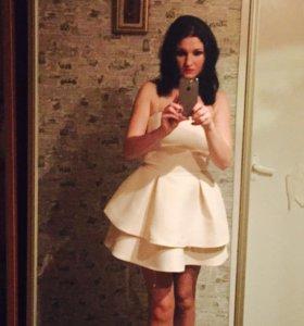 Красивое,нарядное платье,качественное!