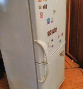 Холодильник Бирюса двухкамерный