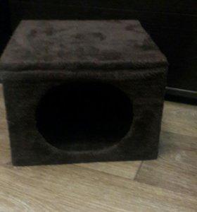 Дом для кошки или собак мелких пород