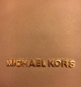Сумка-клатч от Michael Kors