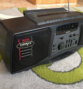 Магнитофон Philips Turbo Bass
