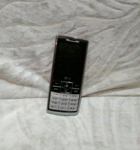 Продаю телефон LG