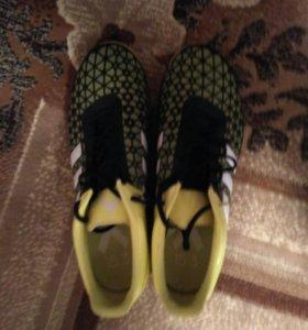 Adidas игровая обувь