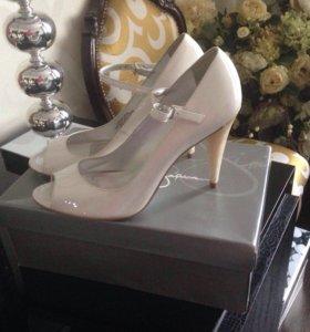Лаковые туфли Jessica Simpson,новые