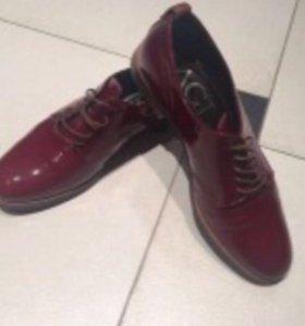 Туфли женские AGL