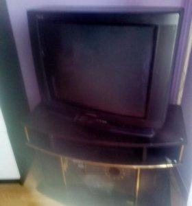 Телевизор находится в Ильинке. Снизила цену!