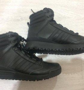 Спортивные ботинки на меху