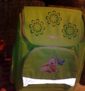 Продам школьный новый рюкзак