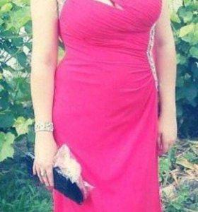 Продаётся выпускное платье!красного цвета !!