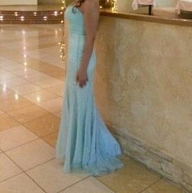 нежное платье размера 44-46
