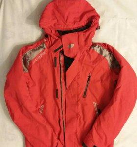 Зимняя куртка 46 размера.