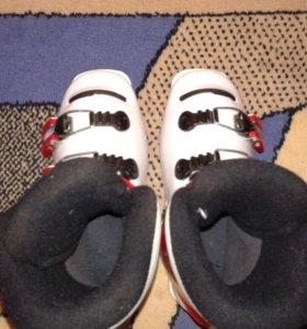 Детские ботинки для горных лыж