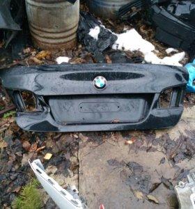 BMW 5 F 10 крышка багажника