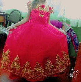 Платье балльное