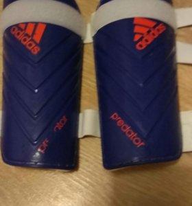 Новые щитки adidas