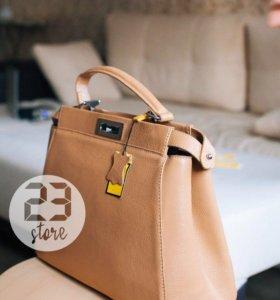 Кожаная сумка Fendi, новая