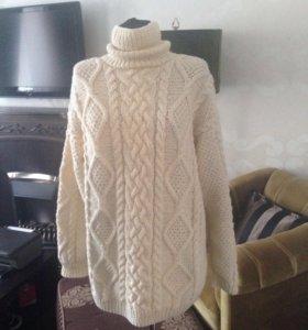 Новый шерстяной вязанный свитер,100%  шерсть