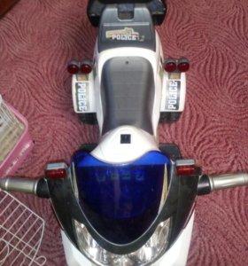 Мотоцикл полицей