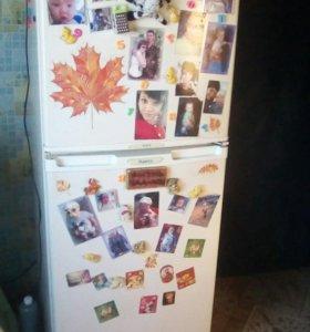 Продам холодильник 2-х камерный