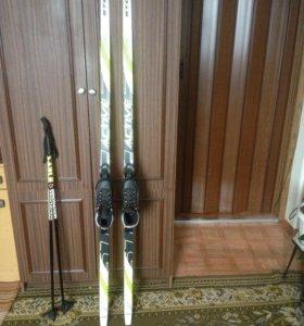 Комплект:Лыжи-170 см,Ботинки-36 размер,Палки