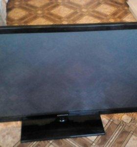 Телевизор samsung 43 дюйма с родным пультом и кабе