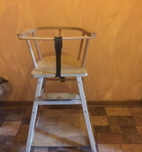 Продам коляску ,кроватку ,стул.Всё б/у