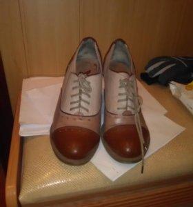 Ботинки,39