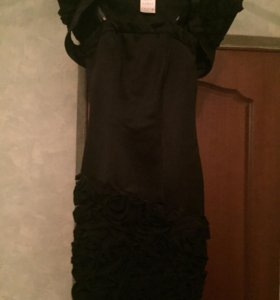 Чёрное вечернее платье