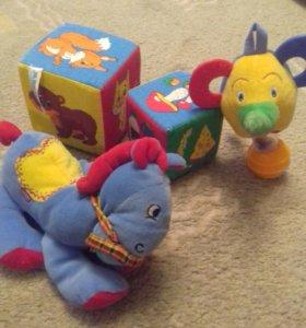 Игрушки малышам