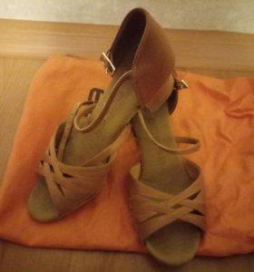 Туфли танцевальнын