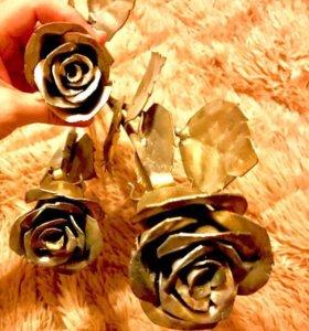 Металические цветы