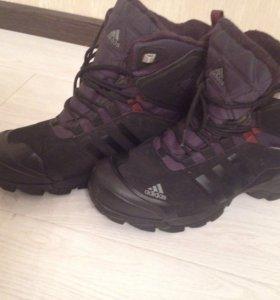Зимние ботинки Adidas  оригинал.