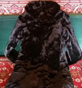 Шуба из натурального меха (Мутон) с карюшоном