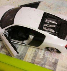 Модель машины  AUDI R 8