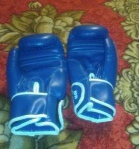 Боксёрские перчатки