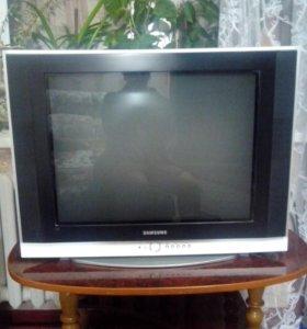 Телевизор  samsung б,\у в хорошем состоянии
