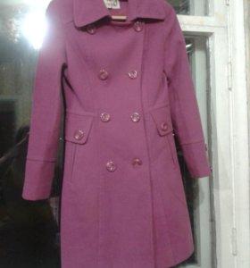 Пальто демисезонное 42 раз