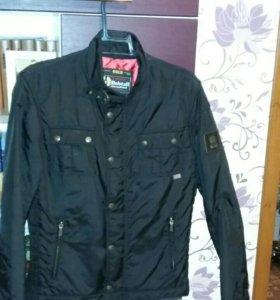 Куртка Деми. Турция. Стоимость 2 000 руб.