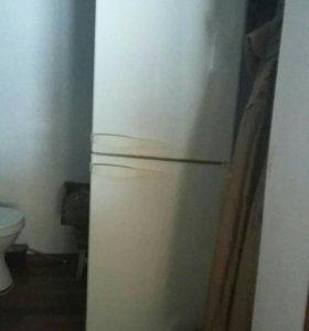 Холодильник стенол б/у